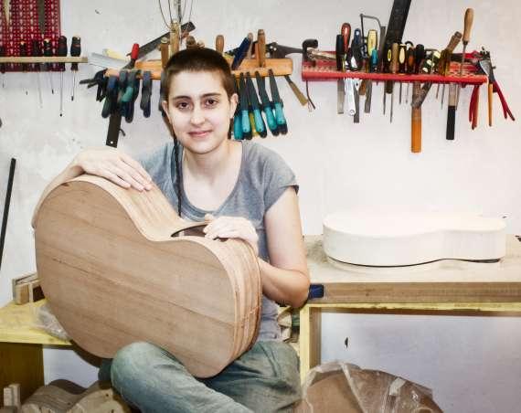 Rossella Canzi nel suo studio